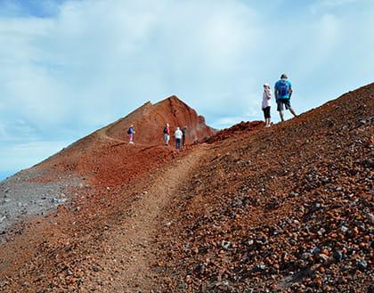 Ascent to the volcano Avachinsky