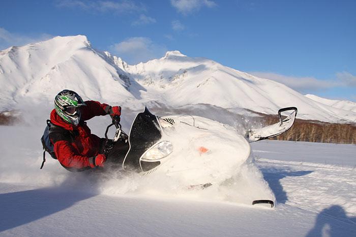 на снегоходах